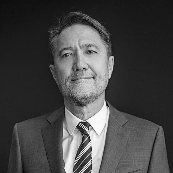 Craig Dunn, Chairman